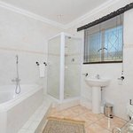 Luxury & Executive En-suite Bathroom