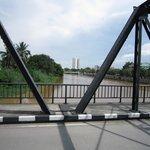 鉄の橋から