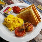eggs, bacon, sausage, mushroom, bread n jams