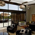 Lounge at Silver Streams Lodge