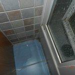 fugas de agua en las duchas