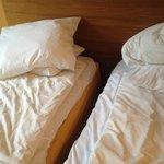 Dubbelrum men sängarna gled i sär hela tiden :(