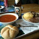 Gulasch alla Tirolese, Wrustel  alla griglia con polenta e funghi, Wrustel al vapore...