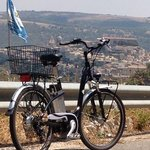 panorama ibla con e-bike