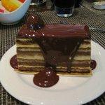 Deliciosa Torta Alemã com Calda Quente de Chocolate