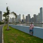 La costanera y Punta Paitilla de fondo