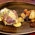 red wine poached eggs benedict