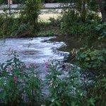 Het riviertje Our, waaraan het hotel gelegen is.