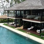 bungalow by 60m pool
