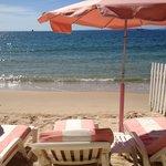 Un vrai havre de pais une eau claire une plage propre et des hôtes sympas