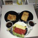 Неожиданно-приятный  подарок от персонала отеля (завтрак)