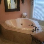 Honeymoon Cottage Bathroom