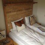 bed (single room)