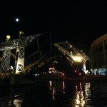 Minnesota Slip Lift bridge at night