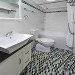 2 Bedroom Apartment -Bathroom
