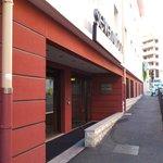 Ingresso del 7Ubran: quelle che vedete più avanti l'ingresso sono le stanze sulla strada