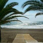 Salida a la playa junto a la terraza del restaurante (desayuno/almuerzo)