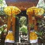 Entrance to Geria Giri Shanti
