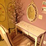 dressing table in Ruby Suite powder room