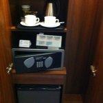 Fridge, minibar and safe