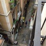 la via sottostante carrer Rauric