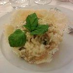 Risotto con melanzane in crosta di parmigiano