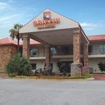 Griffin Inn Suites Exterior