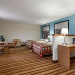 Two Queen Bed Suite.