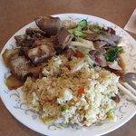 炒めし、豚スペアリブと牛肉野菜炒めプレート