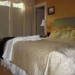 Room 164 Deerfield Inn