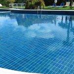 Tès belle piscine