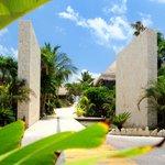 Main Gate Ana y Jose Tulum