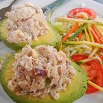 stuffed chicken avocado w/veggies