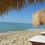 spiaggia splendida e a due passi dal B&B