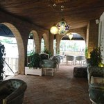Luna Mora Lounge