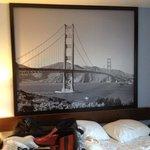 bela imagem da Golden Gate no apartamento
