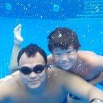 Otra de bajo de la piscina