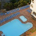 smaller pool /childrens area round corner