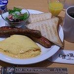 エッグスンシングスでの朝食