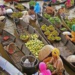 Market at Pasar Terapung
