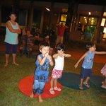 Monitores e brincadeiras com crianças