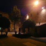Vista della struttura di notte