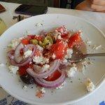Cretan salad (Ntakos)