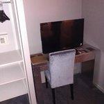 tv + caja fuerte