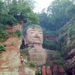 The Leshan Giant Buddha vs. the viewing tourists