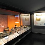 Una delle vetrine della sezione archeologica