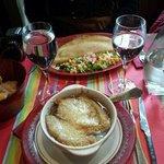 sopa d cebolla y crepe de jamon y queso