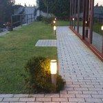 Jardín y ventanal del comedor