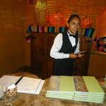 Susy Rubio, amable hostess en El Patio y World Café