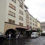 ホテル前の交通規制
